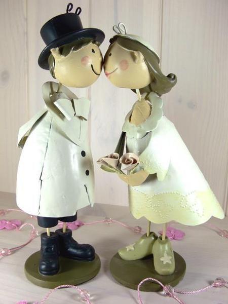 Brautpaar Figuren Knutschis Tortenfiguren Hochzeit von Shabbyflair-Decorations auf DaWanda.com