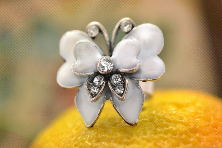 Ring-White05