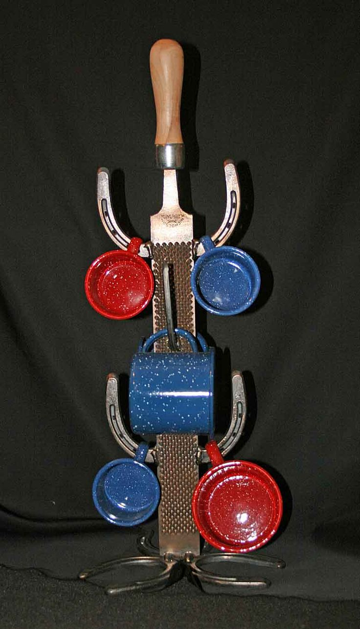 Horseshoe arts and crafts - Find This Pin And More On Things Made Out Of Horseshoes
