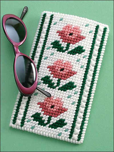 Pretty Posies Eyeglass Case (from ePatterns Central)