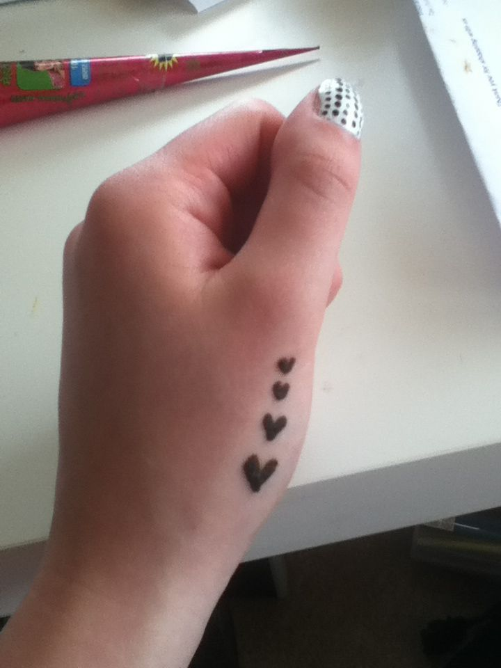 Very Simple Henna Tattoo Hearts Design Simple Henna Tattoo Henna Tattoo Designs Simple Henna Tattoo Hand
