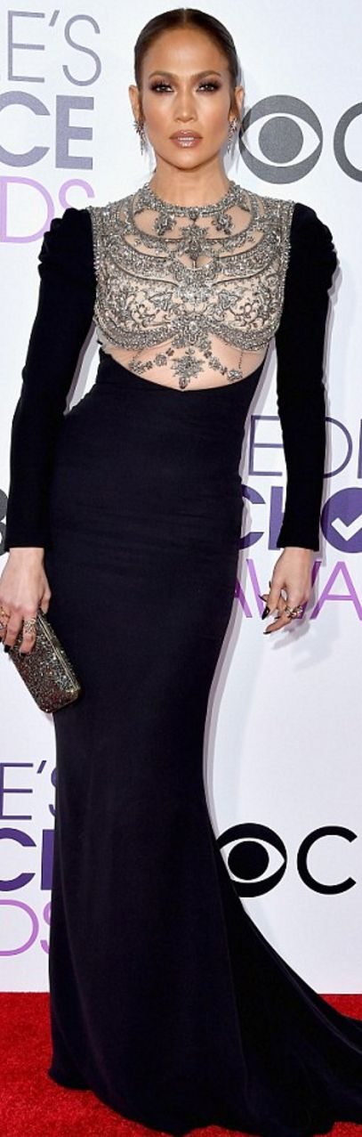 Jennifer Lopez: Dress – Reem Acra Shoes – Brian Atwood Jewelry – H. Stern