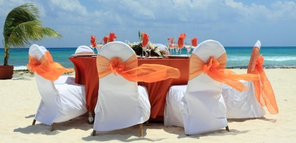Celebrating an outdoor quinceañera is definitely an option that can easily accommodate any budget type. Check out the options we have ready for you.
