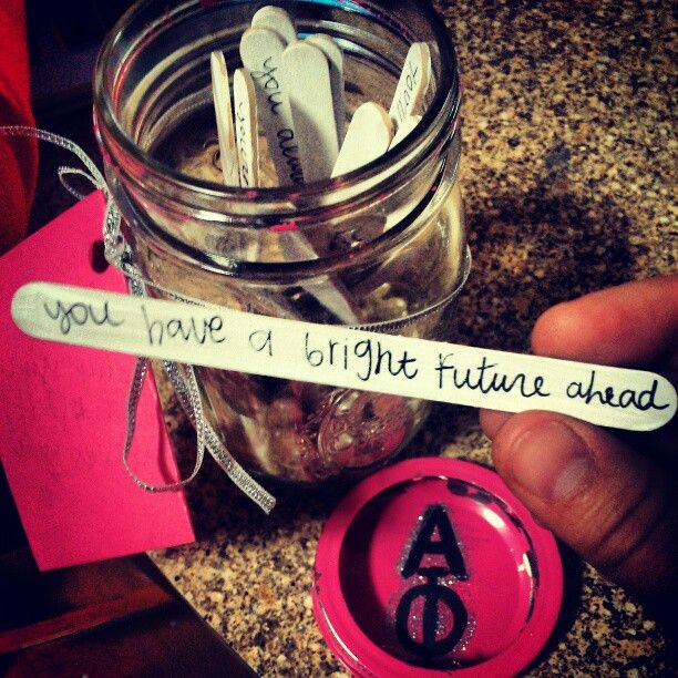 "Give your sister a ""why I love you jar"" to brighten any of her bad days."