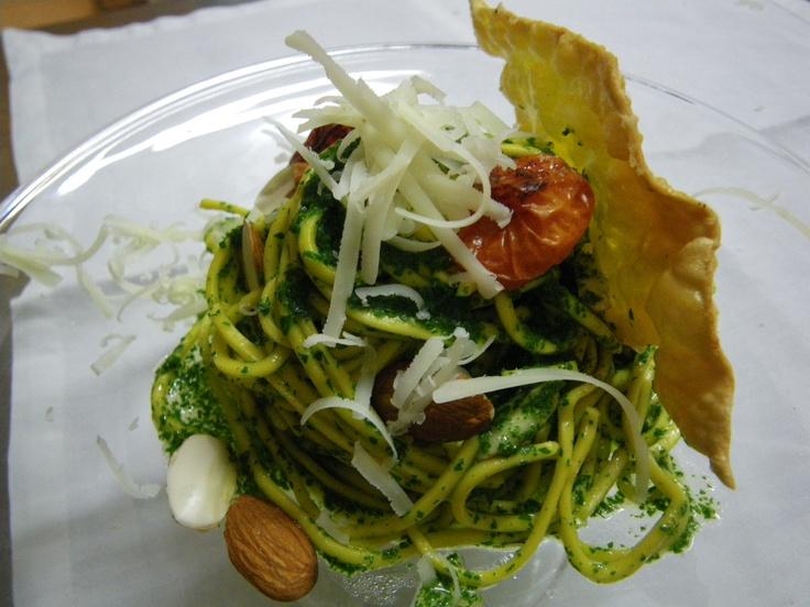 Ricetta #3 Trenette al pesto di tarassaco con mandorle e Altissimo fresco grattugiato Chef Antonio Dal Lago  Ristorante Casin Del Gamba