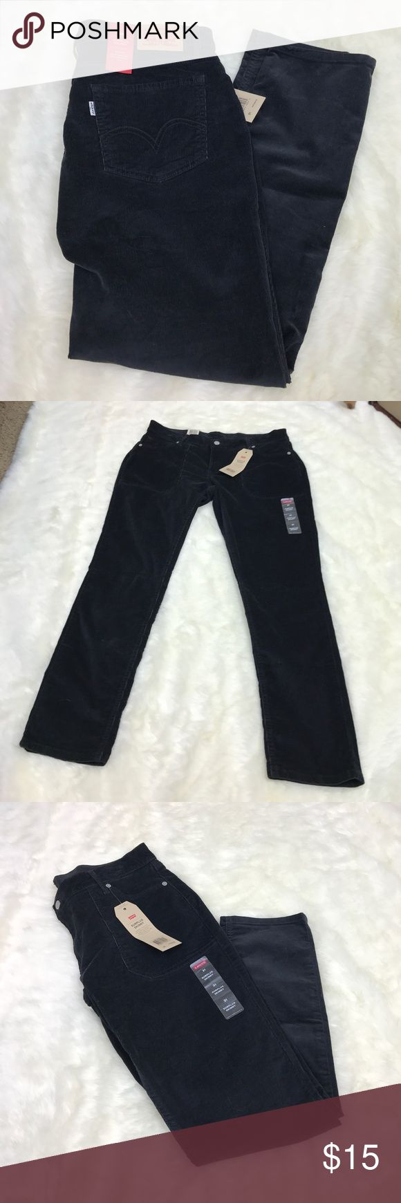 🛑FLASH SALE🛑 Levi's Surplus Skinny Jeans Please feel free to ask any questions, bundle, or make an offer. Levi's corduroy surplus skinny jeans in black. Size 31. New with tags. Levi's Jeans Skinny