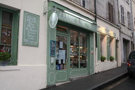 PONTOISE : L'arbre blanc Arts & Gourmandises.  7 rue Alexandre Prachay, 95300 Pontoise, Cergy-Pontoise, France +33 1 30 73 87 53 Traiteur aussi, a essayer absoluement
