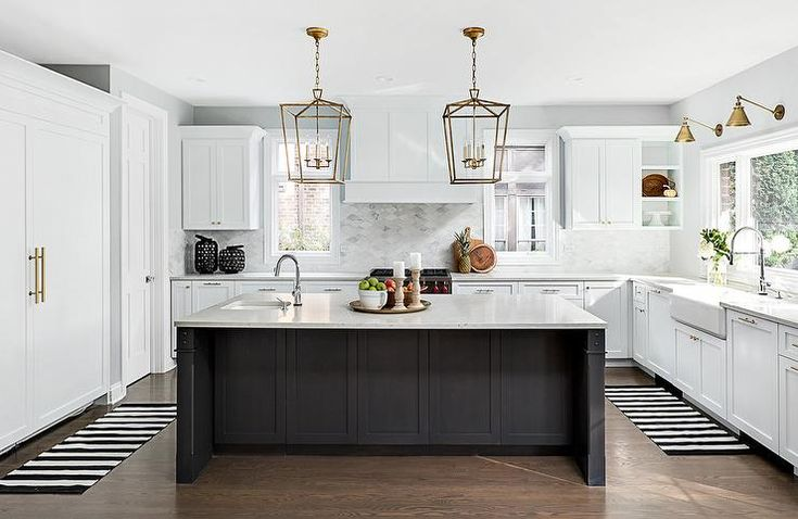 Best Well Appointed Black And White Kitchen Boasts A Black 640 x 480