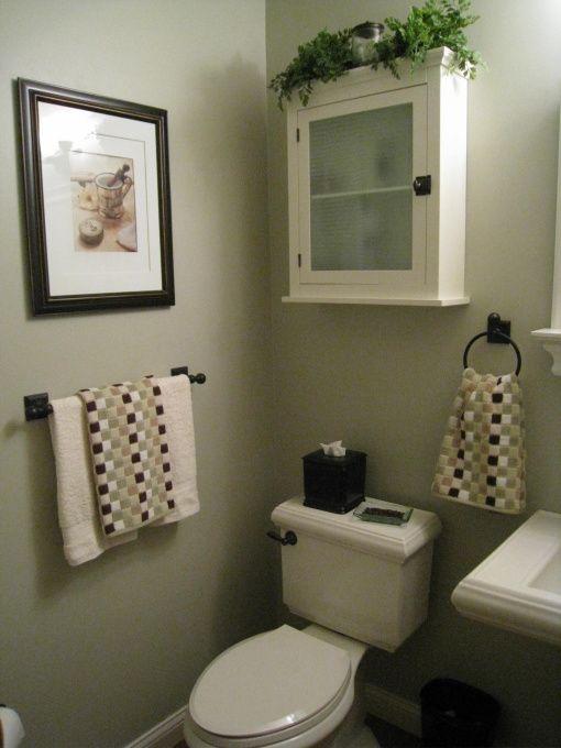 Pin by vivina gomez on bathroom ideas pinterest - Tiny half bathroom ideas ...