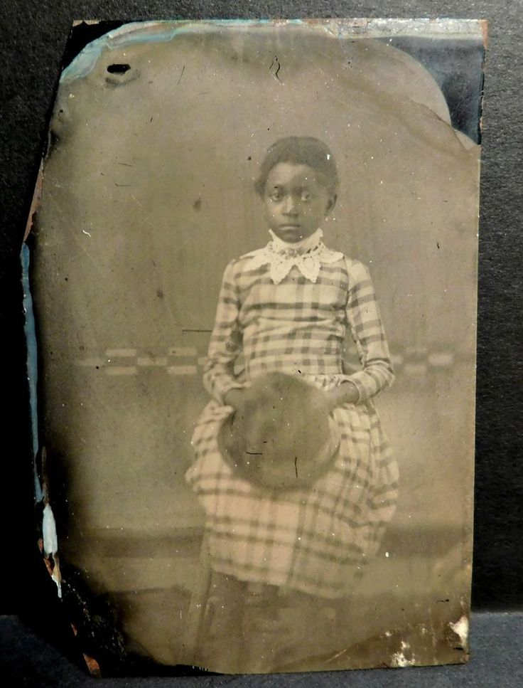 ANTIQUE TINTYPE PHOTOGRAPH OF BLACK GIRL PLAID DRESS WHITE COLLAR ~ESTATE~