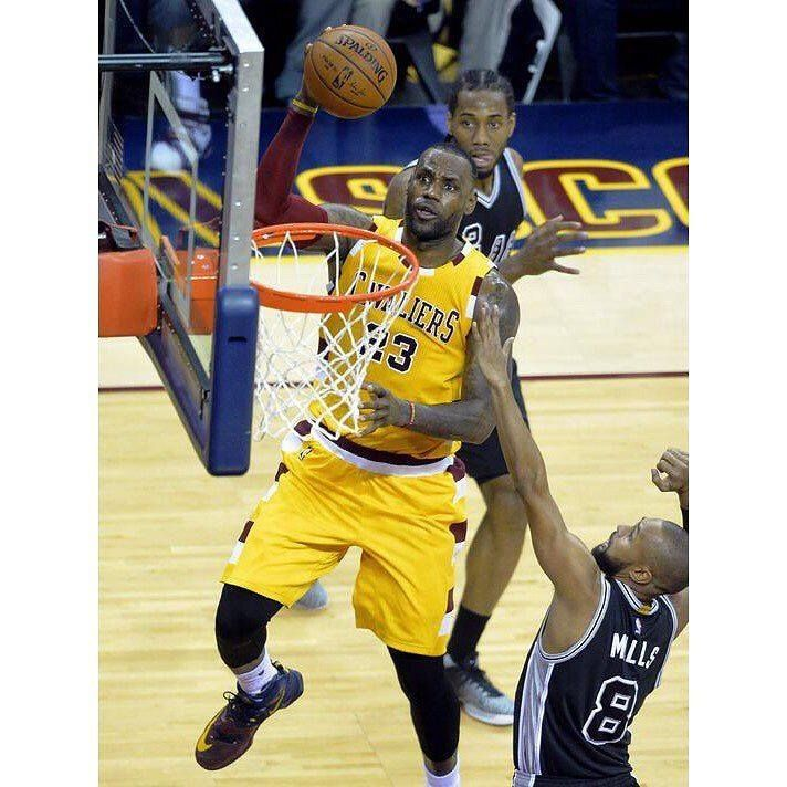 Can tonight be an NBA Finals Preview? If any team is likely to disrupt the Trilogy it is the San Antonio Spurs. Tonight the 30-11 Cleveland Cavaliers will get their first look at the Tim Duncanless Spurs in the first Saturday Night Primetime game of the season on ABC. Coming into this one the Cavs have won 28 of their last 32 games at home vs teams from the Western Conference. Cleveland has also won 2 of their last 3 games against the Spurs. #DHTK #REPRE23NT #DONTHATETHEKING…