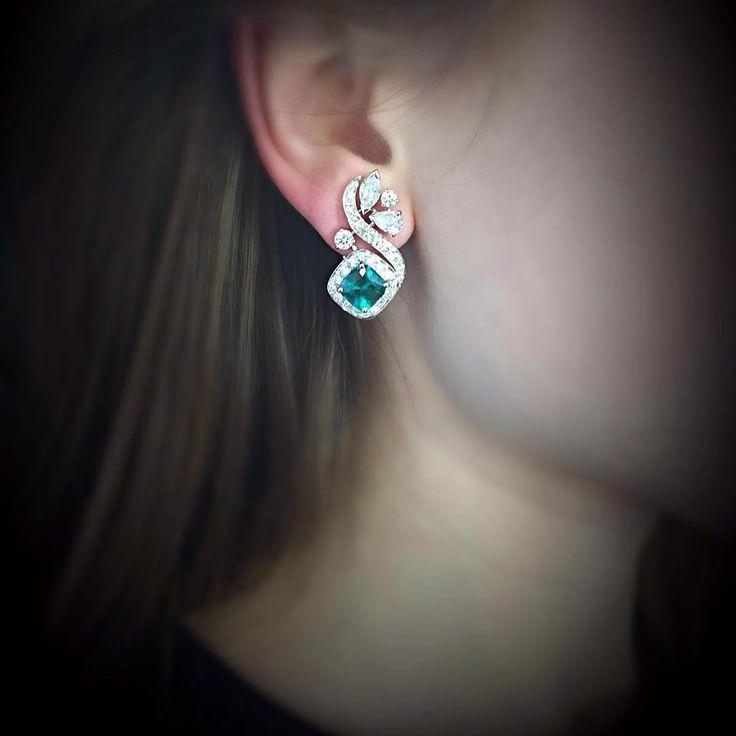 http://rubies.work/0854-ruby-pendant/ Valery Emerald Earrings More