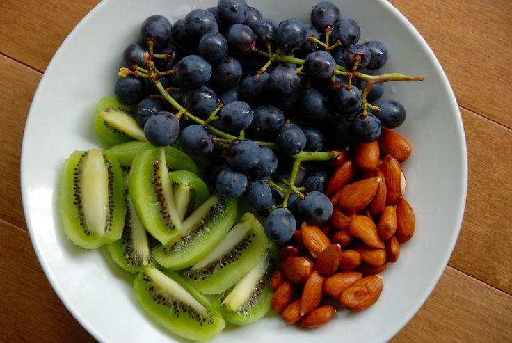 Mellemmåltider på 100 kcal: Du kan spise 3 mellemmåltider om dagen (f.eks. formiddag, eftermiddag og aften) á 100 kcal.