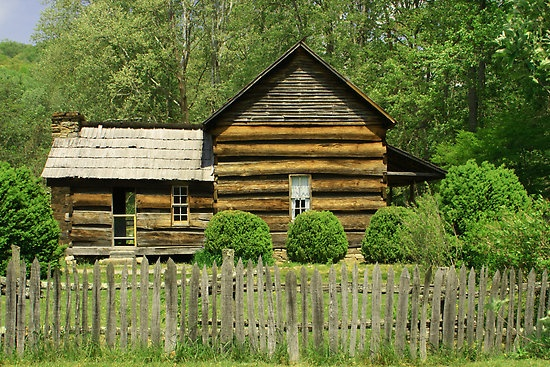 Davis queen house by gary l suddath log cabin pinterest house queen and people - Appalachian container cabin ...