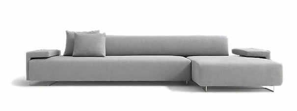 Bank Lowland van Moroso is een bankstel met een minimalistisch design, waarmee eindeloos gecombineerd kan worden.