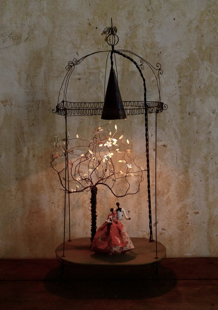 lampes voxpopuli enchantments wire art art wire. Black Bedroom Furniture Sets. Home Design Ideas