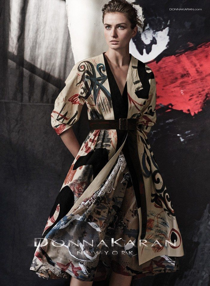 The pattern, the belt, the kimono-esque feel to it. Lovely. [Donna-Karan-Spring-2015-Campaign-Fashion-Tom-Lorenzo-Site-TLO (6)]