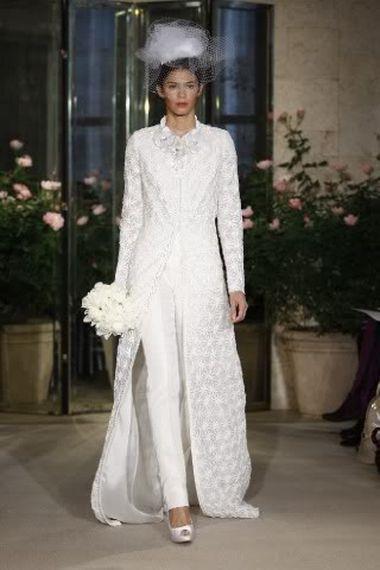 Белоснежный брючный костюм для невесты