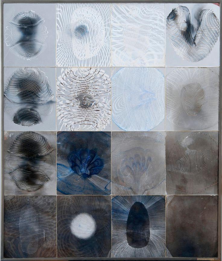 OIVA TOIKKA, GLASS SCULPTURE. Storm warning. Signed Oiva Toikka, Nuutajärvi Notsjö. Free.... - modern + contemporary & design, Helsinki F158 – Bukowskis