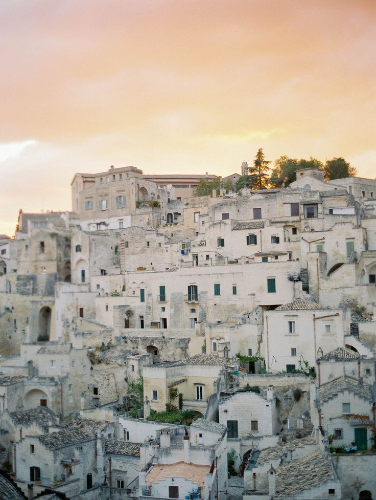 Sassi, Italy    Photography by Rebecca Lindon / http://www.rebeccalindon.com/   Style Me Pretty Living http://www.smpliving.com