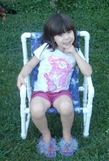 PVC Chair: Pvc Sling, Pvc Ideas, Red Things, For Kids, Mommy Crafts, Sling Chairs, Pvc Pipes, Chairs Ideas, Pvc Chairs
