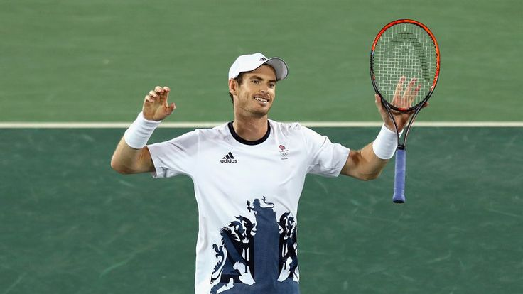 Andy Murray of Great Britain celebrates after defeating Juan Martin Del Potro