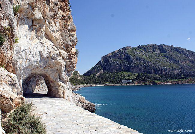 """The small """"tunnel"""" along #Arvanitia promenade in #Nafplio - #Greece"""