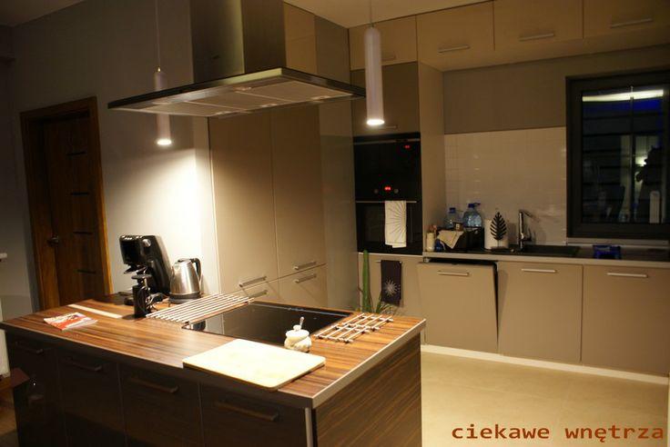 Kuchnia w kolorach ziemi/Kitchen in earth tones
