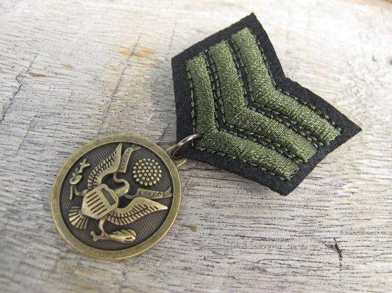 Military Green Shoulder Loop Shoulder Strap Bronze Medal Brooch for clothing decoration