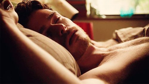 Imagine Richard Madden waking up next to you early in the morning