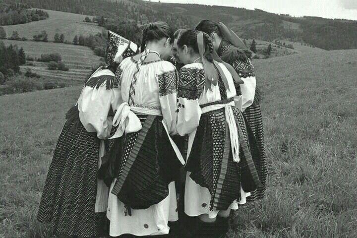 folclore qroup Brezinky