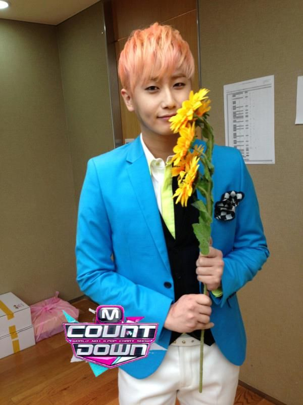 ❀ ✿ BlackRose50101 ✿ ❀: [Photo] Heo Young Saeng - M! Countdown Back Stage [14/03/13]