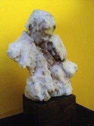 """""""Ricorda quando mi amavi"""", scultura in terra cruda e cera. By Giovanni Massariello"""