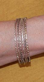 Setje van 6 ZILVER kleurige kartel armbandjes - 7 cm diameter- 6-piece bracelet set SILVER color