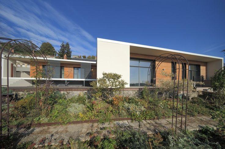 Maison RNT par Atelier d'Architecture Gilles Bertrand Vouvray / Indre-et-Loire (France)