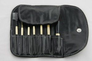 Good Clear Cosmetics 7 Piece Brush Set Make Up Tool Kit Withe Black Bag by NEW. $6.09