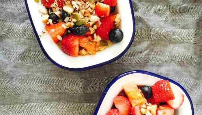 Il Miam O Fruit è una colazione disintossicante che aiuta a rigenerare tutte le cellule del corpo come quelle dei capelli, della pelle e delle unghie.