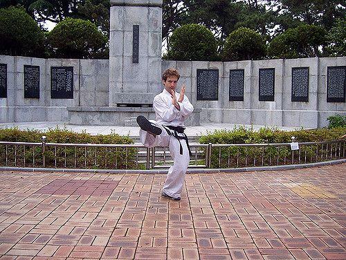 https://flic.kr/p/4WyTcM | gebaekpose | Pusan South korea #taekwondo #martialarts #santiagopinto #kick #blackbelt #태권도