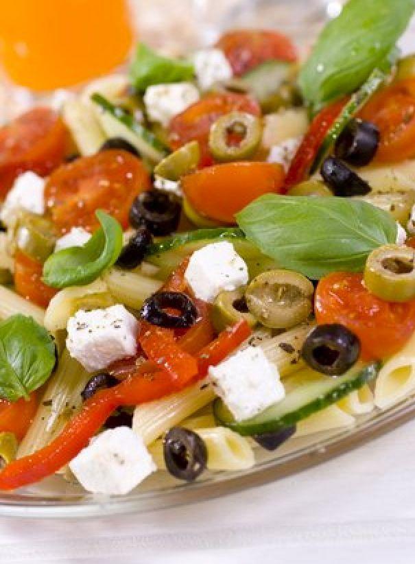 Salade de pate a la grec ( marmiton) Avec un barbuk entre amis