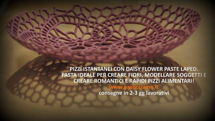 NOVITA' ASSOLUTA, PIZZI E MERLETTI ISTANTANEI! Daisy Flower Paste - www.pasticciamo.it