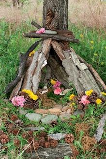 Make a Fairy house: Fairies Gardens, Fairy Houses, Families Fun Activities, Faeries Houses, Into The Wood, Family Fun, Fairies Houses Gardens, Houses Outside, Make A Fairies Houses