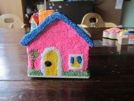 houten spaarhuisje versieren met foam clay