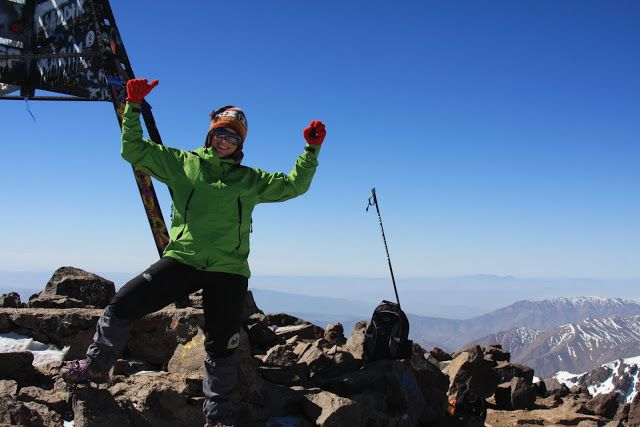 Nesta viagem por Marrocos, decidimos tentar subir ao cume da montanha mais alta do norte de África: o Toubkal. A cordilheira do Atlas e a mais extensa e mais alta da África do norte, e o seu pico, o Toubkal, atinge 4167 m. Depois de conhecer as cidades imperiais, o deserto do Sahara, a rota …