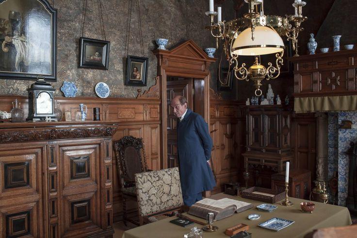 Conservator Chris de Bruyn als Simon van Gijn