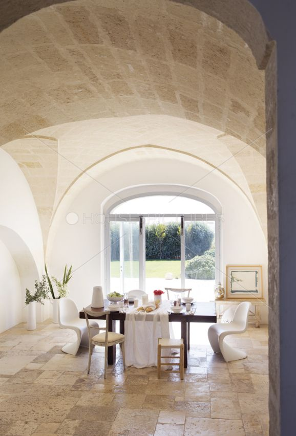 Spectacular restored vineyard located close to Grottaglie,in the Puglia region, Italy