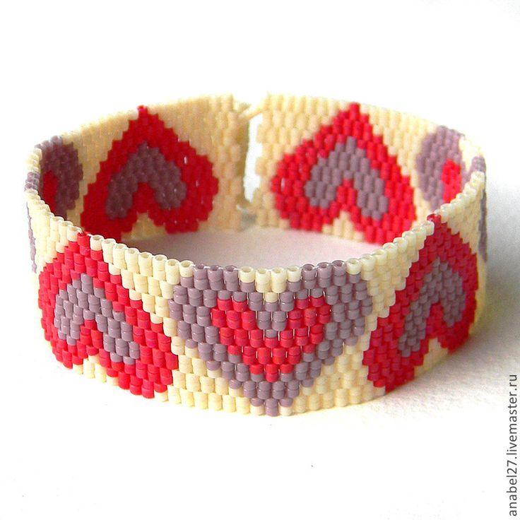 Купить Браслет с сердечками - браслет из бисера с сердцами - бисер браслет, бисерные украшения, авторские украшения