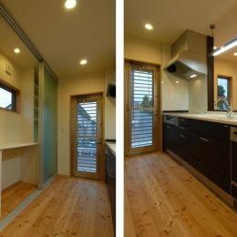 『今沢の家』自然素材のナチュラルな住まいの部屋 対面式キッチン