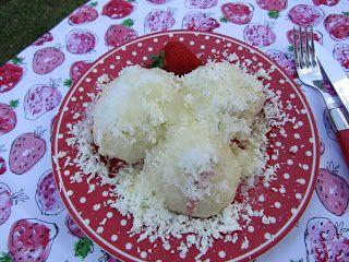 Moje tvořeníčko...: Kynuté knedlíky s jahodami