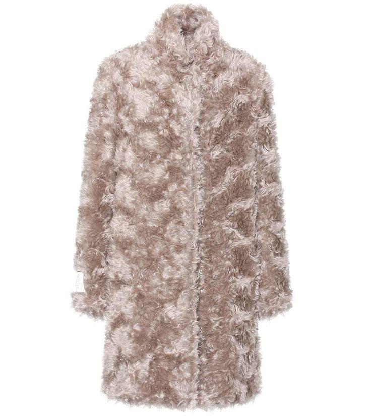STELLA MCCARTNEY Faux Fur Coat. #stellamccartney #cloth #coats
