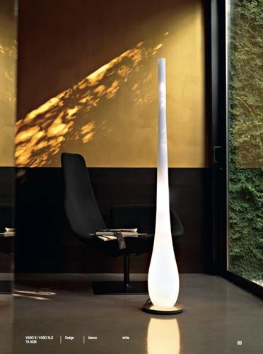 Vaso xls contemporary murano floor lamp in white glass this italian light is exclusively handmade on the island of murano